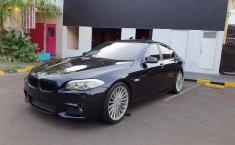 Dijual cepat mobil BMW 5 Series F10 520i Twinpower Turbo 2013, DKI Jakarta