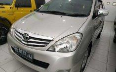 Jual mobil Toyota Kijang Innova 2.0 V 2011 harga murah di DIY Yogyakarta