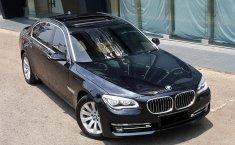 Mobil BMW 7 Series 730Li F204 2014 dijual, DKI Jakarta