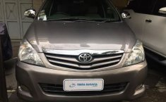 Jual cepat mobil Toyota Kijang Innova 2.0 G 2011 di Jawa Barat