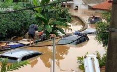Jangan Panik! Ini Cara Klaim Asuransi Mobil Terendam Banjir