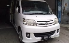 Jawa Barat, dijual mobil Daihatsu Luxio X 2012 bekas