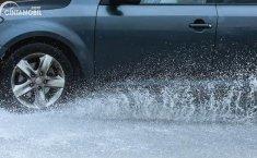 Tindakan Sepele yang Bisa Bikin Celaka Ketika Berkendara Saat Hujan