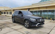 Jual cepat mobil Mercedes-Benz GLC 250 Exclusive Line ATPM 2017 di DKI Jakarta
