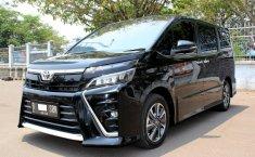 Jual cepat mobil Toyota Voxy AT 2.0 2018 di DKI Jakarta