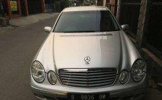 Dijual mobil bekas Mercedes-Benz E-Class 260, Jawa Barat