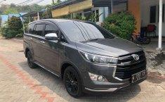 Toyota Venturer 2018 Jawa Timur dijual dengan harga termurah