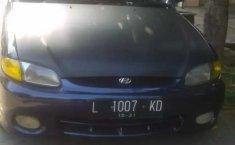 Mobil Hyundai Accent 2001 GLS terbaik di Jawa Timur