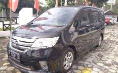 Jawa Tengah, Nissan Serena Highway Star 2013 kondisi terawat