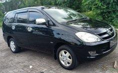 Jual mobil Toyota Kijang Innova 2.0 G 2005 dengan harga murah di DIY Yogyakarta