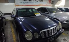 Jual mobil Mercedes-Benz E-Class E 320 1997 dengan harga murah di DKI Jakarta