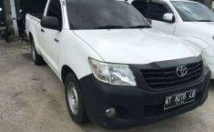 Mobil Toyota Hilux 2012 2.5 Diesel NA terbaik di Kalimantan Timur