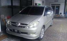 Jual Toyota Kijang Innova V 2005 harga murah di Jawa Timur