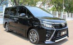 Jual cepat mobil Toyota Voxy 2.0 AT 2018 di DKI Jakarta