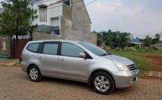 Mobil Nissan Grand Livina 2009 S terbaik di Jawa Barat
