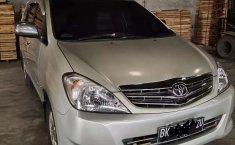 Sumatra Utara, Toyota Kijang Innova V 2005 kondisi terawat