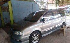 Mobil Hyundai Trajet 2009 terbaik di Jawa Barat