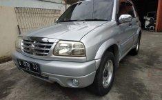 Jual mobil Suzuki Escudo 2.0i MT 2001 dengan harga murah di Jawa Barat