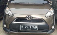 Jual cepat mobil Toyota Sienta V 2016 di Jawa Barat