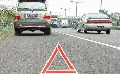 Begini Cara Aman Berhenti di Bahu Jalan Tol