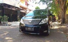 Mobil Toyota Alphard 2011 2.4 NA terbaik di Jawa Timur