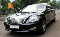 Dijual mobil Mercedes-Benz S-Class 300 AT 2007 bekas terbaik, DKI Jakarta