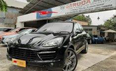 Jual mobil Porsche Cayenne S 4.8 Turbo Hybird 2011 terawat di DKI Jakarta