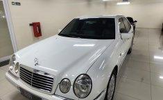 Dijual mobil Mercedes-Benz E-Class E 320 1997 bekas murah, DKI Jakarta