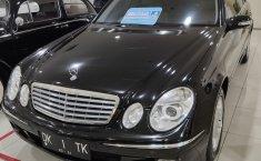 Jual mobil Mercedes-Benz E-Class E 280 2003 dengan harga murah di DKI Jakarta