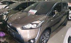 Jual mobil bekas murah Toyota Sienta V 2016 di Jawa Tengah