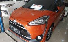 Jual cepat mobil Toyota Sienta Q 2016 di Jawa Tengah