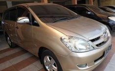 Jual mobil Toyota Kijang Innova 2.0 G 2005 dengan harga murah di Jawa Tengah