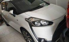 Jual cepat mobil Toyota Sienta V 2016 di Jawa Tengah