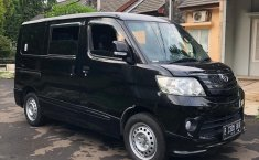 Dijual mobil Daihatsu Luxio D 2016 bekas terbaik, Jawa Barat