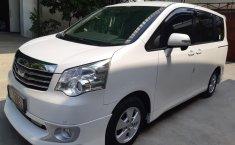 Jual mobil Toyota NAV1 V 2013 terbaik di Jawa Barat