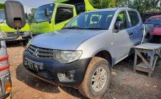 Jual Mitsubishi Triton 2014 harga murah di DKI Jakarta