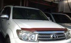 Mobil Toyota Fortuner 2010 G dijual, Bali