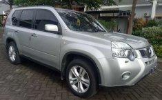 Mobil Nissan X-Trail 2011 2.0 terbaik di Jawa Timur