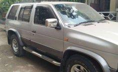 Jual mobil bekas murah Nissan Terrano 2002 di Jawa Barat