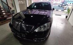 Jual mobil Mercedes-Benz S-Class 300 2011 dengan harga murah di DKI Jakarta