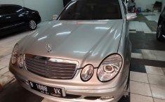 Dijual mobil bekas Mercedes-Benz E-Class E 200 2004, DKI Jakarta