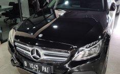 Jual cepat mobil Mercedes-Benz C-Class C200 2017 di DKI Jakarta