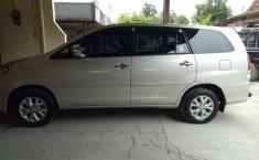 Mobil Toyota Kijang Innova 2011 terbaik di Jawa Tengah