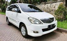 Jawa Timur, Toyota Kijang Innova 2.0 G 2011 kondisi terawat