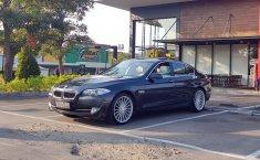 Jual mobil BMW 5 Series F10 520i 2012 bekas di DKI Jakarta