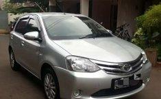 Jual Toyota Etios Valco E 2014 harga murah di Jawa Barat