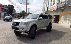Jual Ford Everest XLT 2009 harga murah di Sumatra Utara