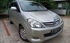 Jual mobil bekas murah Toyota Kijang Innova 2.0 V Luxury 2011 di Jawa Barat