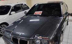 Jual mobil bekas murah BMW 3 Series 318i 1996 di DKI Jakarta