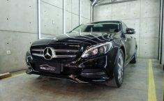 Jual mobil Mercedes-Benz C-Class C200 2014 dengan harga terjangkau di Jawa Barat